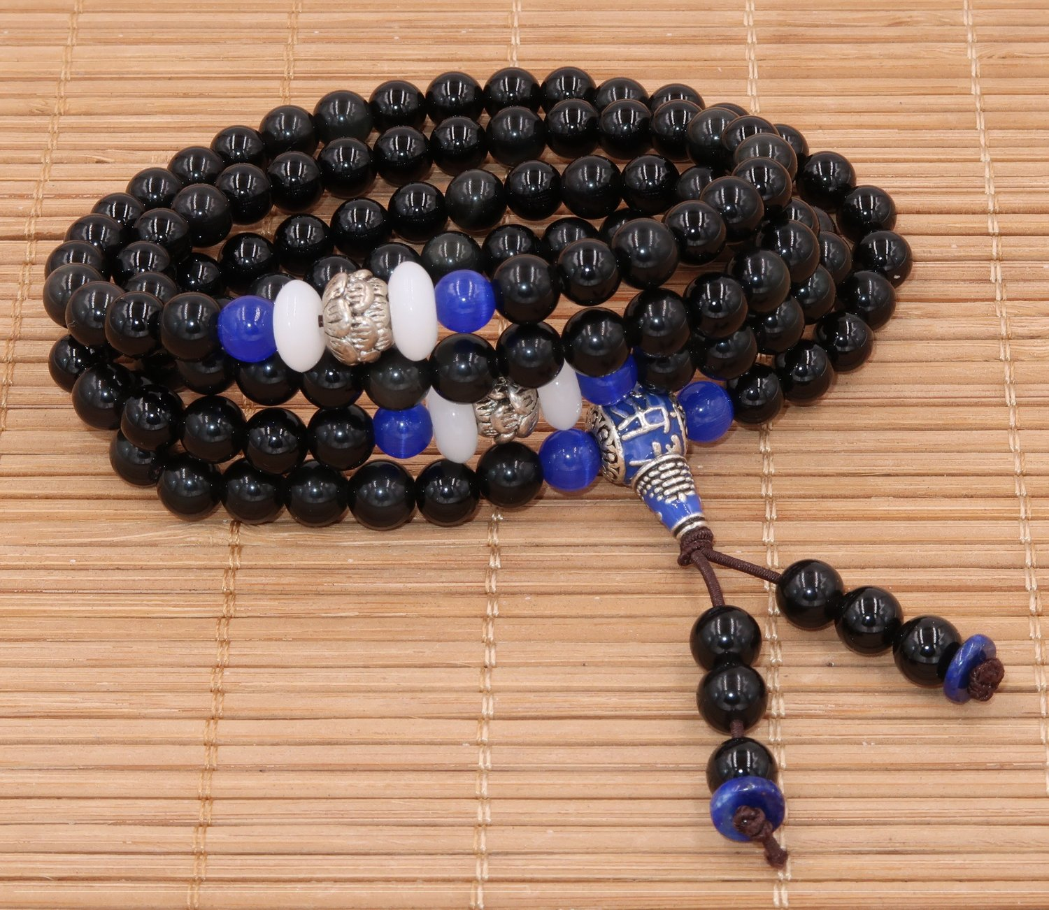 "Buddhist Mala-108 beads in obsidian and lapis lazuli (Series Limited edition "" Coq d' Eau "")"