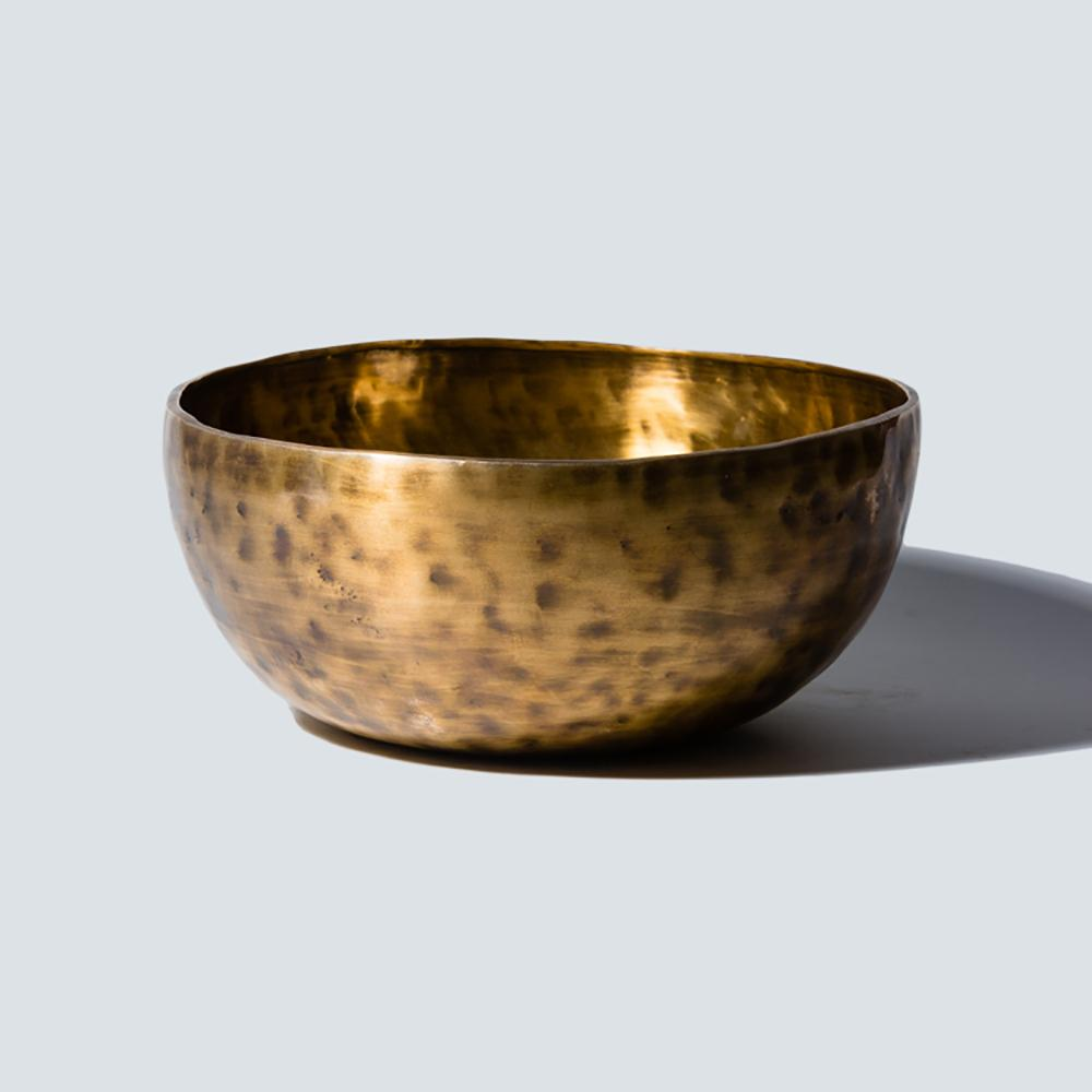Singing bowl hammered in copper
