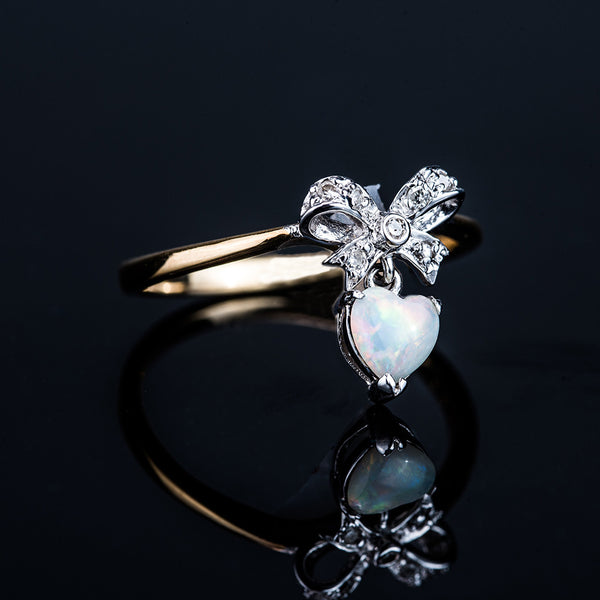 18K Heart Shape Opal Ring