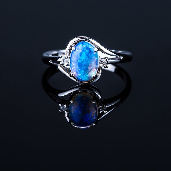 18K White Gold Opal (0.7ct) Diamond Ring