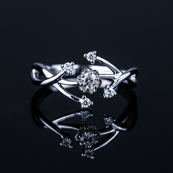 Flower and Vine - 18k White Gold Diamond Ring