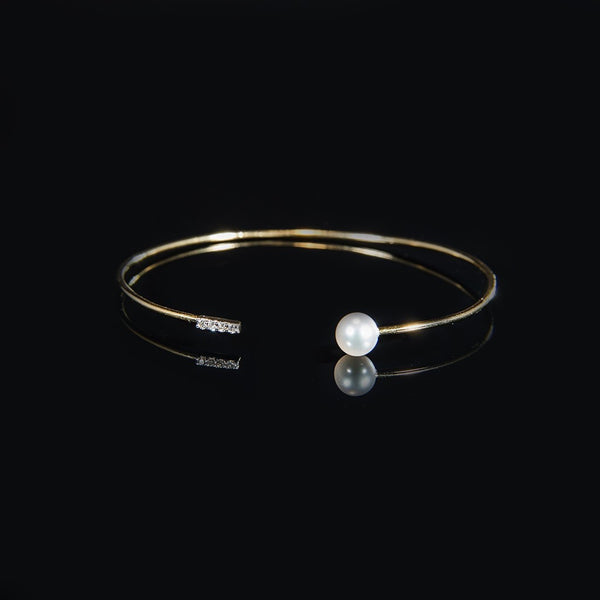 Trendy Wire Bangle - 18K Gold Bangle with Fresh Water Pearl