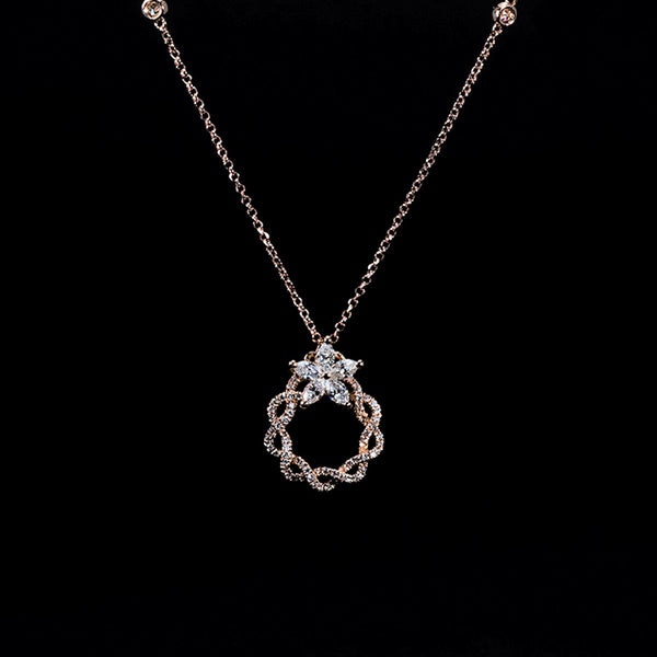 Diamond Wreath 18K Rose Gold Necklace | Jress.com