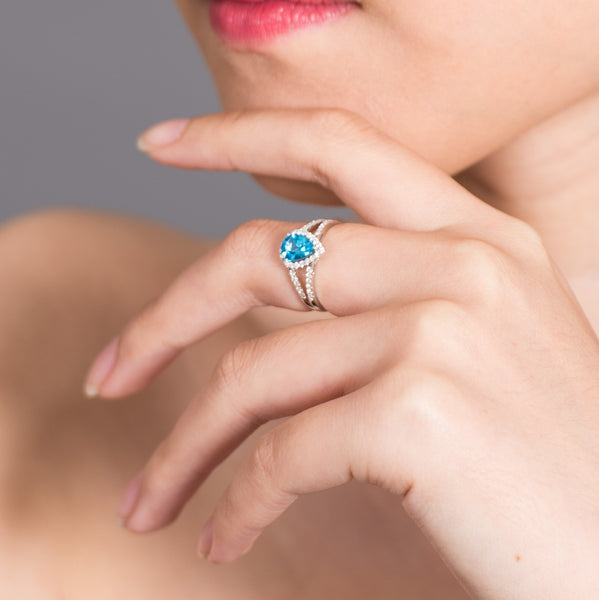 Drop of Blue - 18K White Gold Ring