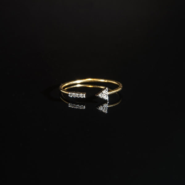 Delicate Arrow Ring - 18K Gold Ring with Diamond