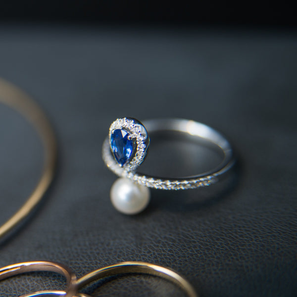 Elegant Blue Sapphire with White Pearl - 18K Ring
