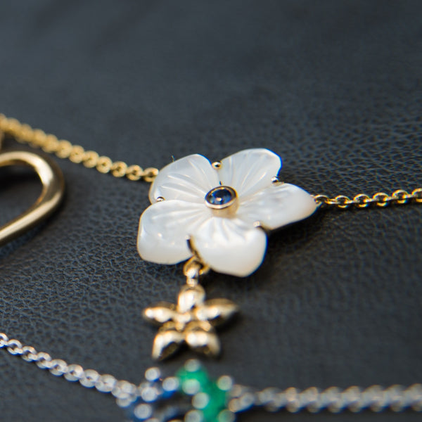Flower Shaped Mother of Pearl with a little Flower - 18K Gold Necklace