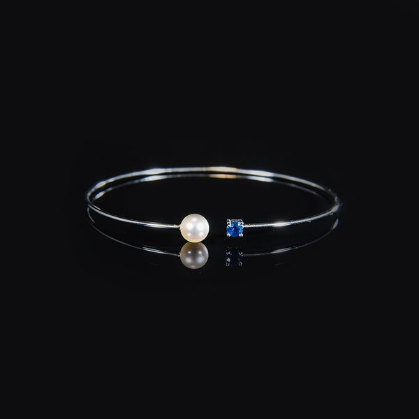 18K White Gold Trendy Wire Bangle with Fresh Water Pearl and Sapphire