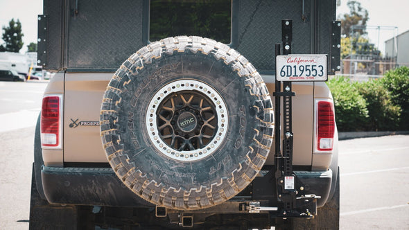 Rago Fabrication LICENSE PLATE MOUNT for Mega-Vert™ (Mega-Fit UltraSwing Only)