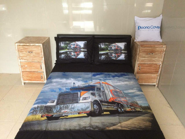 King Duvet Cover with 2 printed pillows.