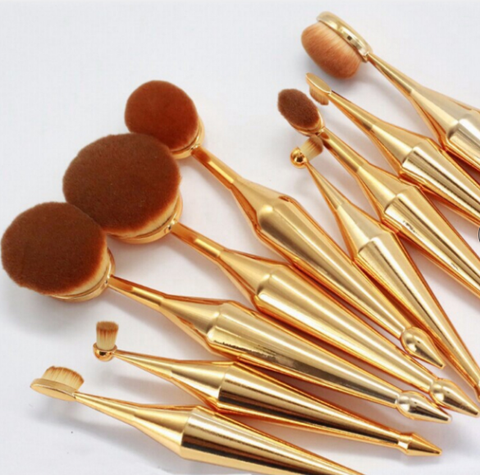 Oval makeup brush diamond handle