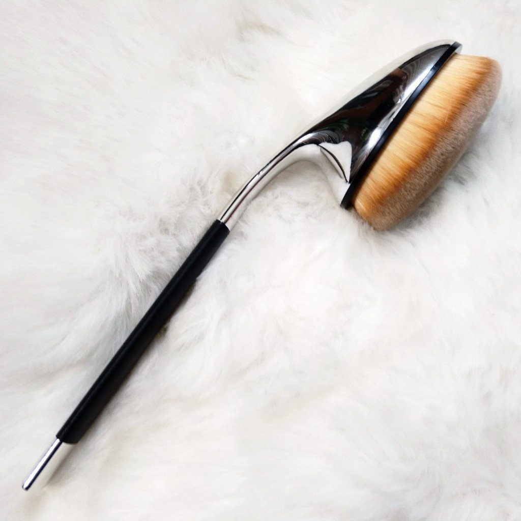 Single Oval FACE F02 Brush - Jolie Beauty