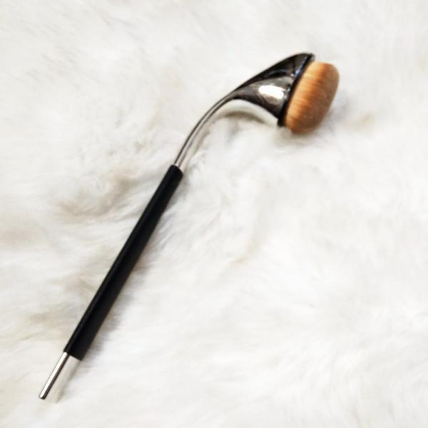 Single Oval Brush F03 - Under Eye Concealer or Contour