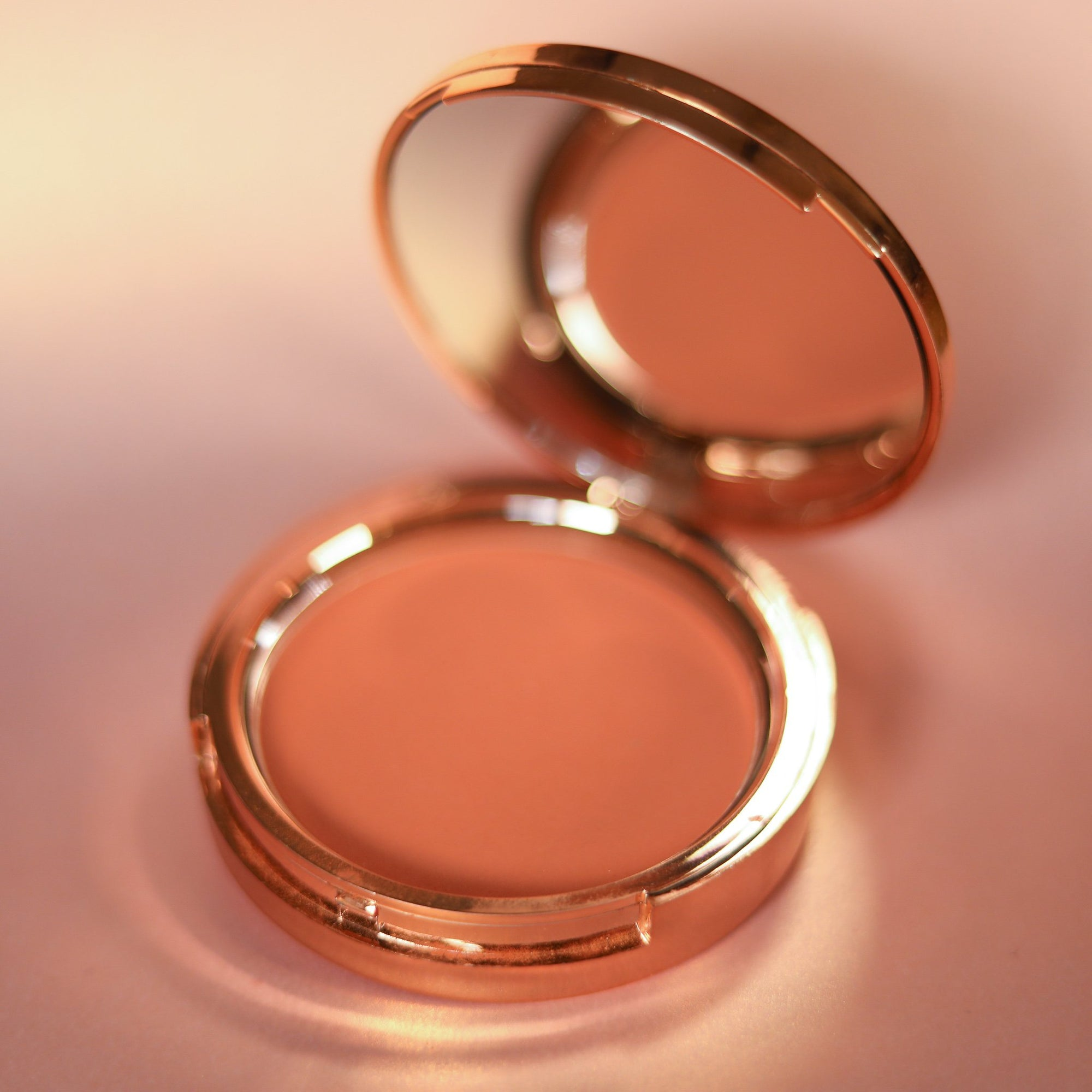 Second Skin Powder Blush - Shade: Flushed - Jolie Beauty