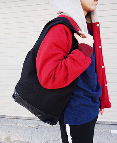 Wool Shoulder Bag - Black