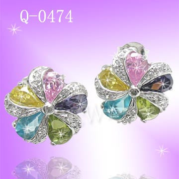 925 Sterling Silver CZ Color Flower Earrings Q 0474