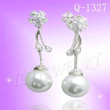 925 Sterling Silver CZ Royal Pearl Earrings Q 1327