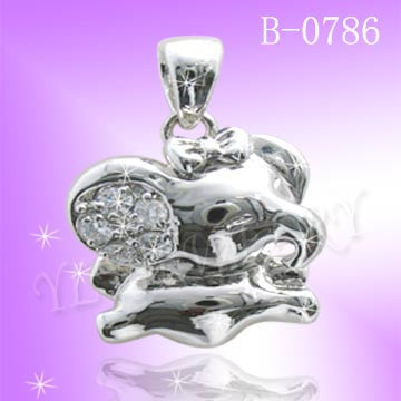 925 Sterling Silver CZ Lucky Pendant B0786