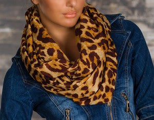 WOMAN SCARF LEO BROWN