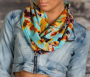 WOMAN SCARF SPRING BLUE