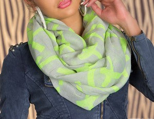WOMAN SCARF SPRING GREEN