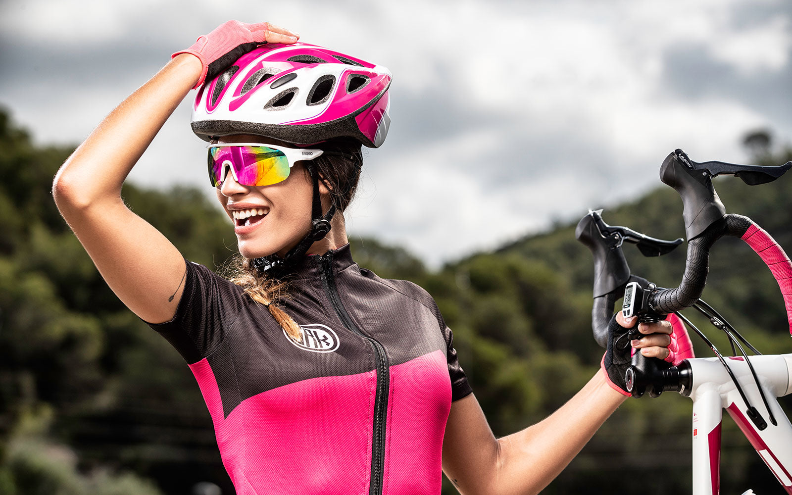 Cyclists body female what do