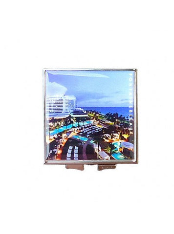 Fontainebleau square compact mirror