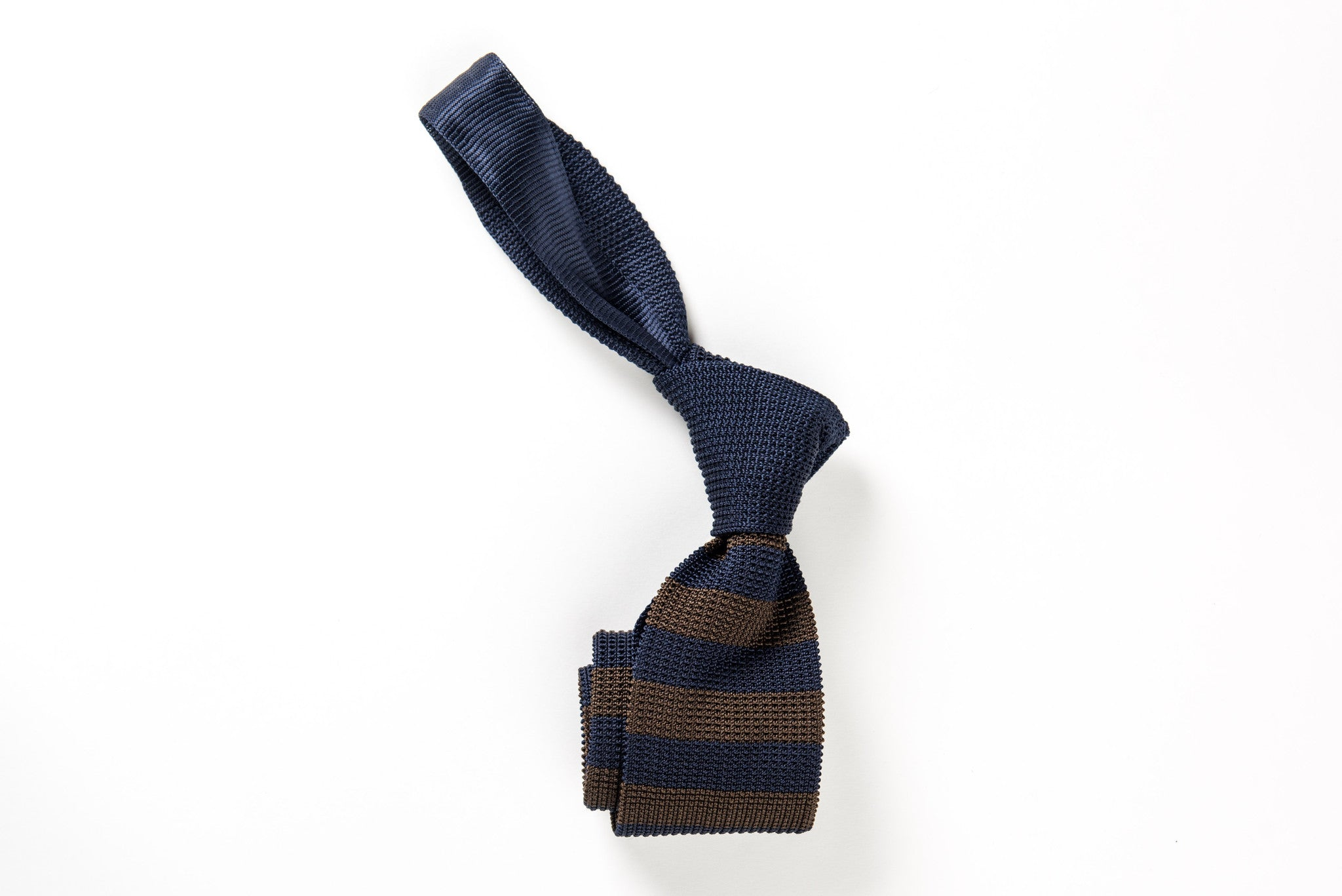 Brown silk knitted tie