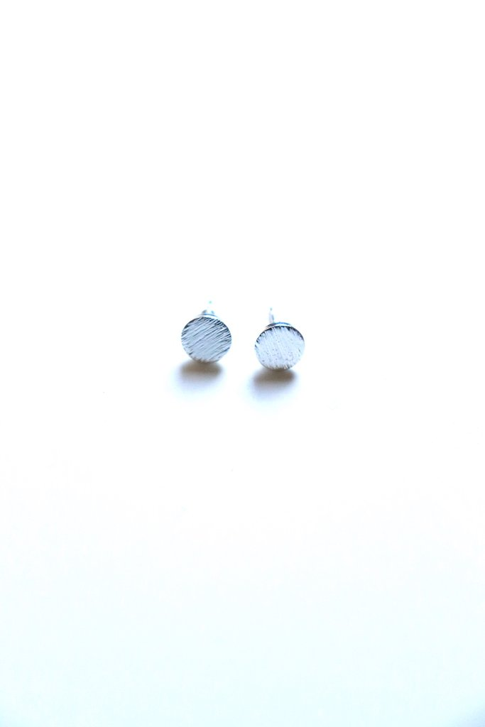 Quinn Circle Stud Earrings - Silver