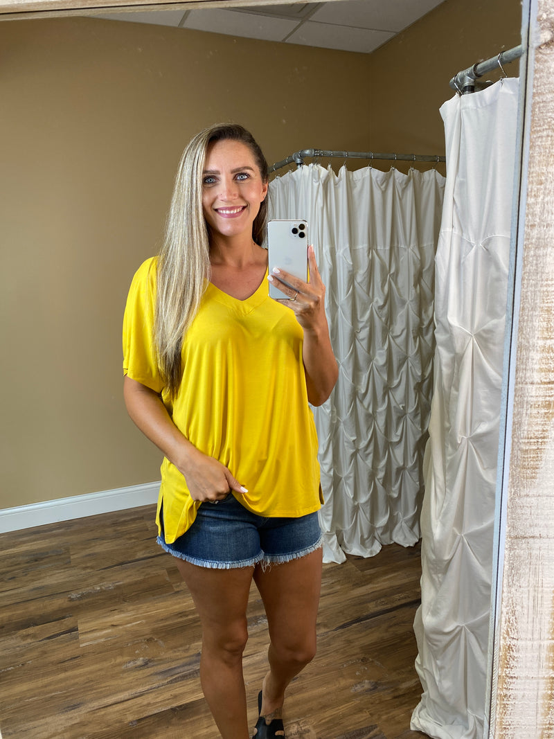 Mila Oversized Short Sleeve V Neck Top - Yellow