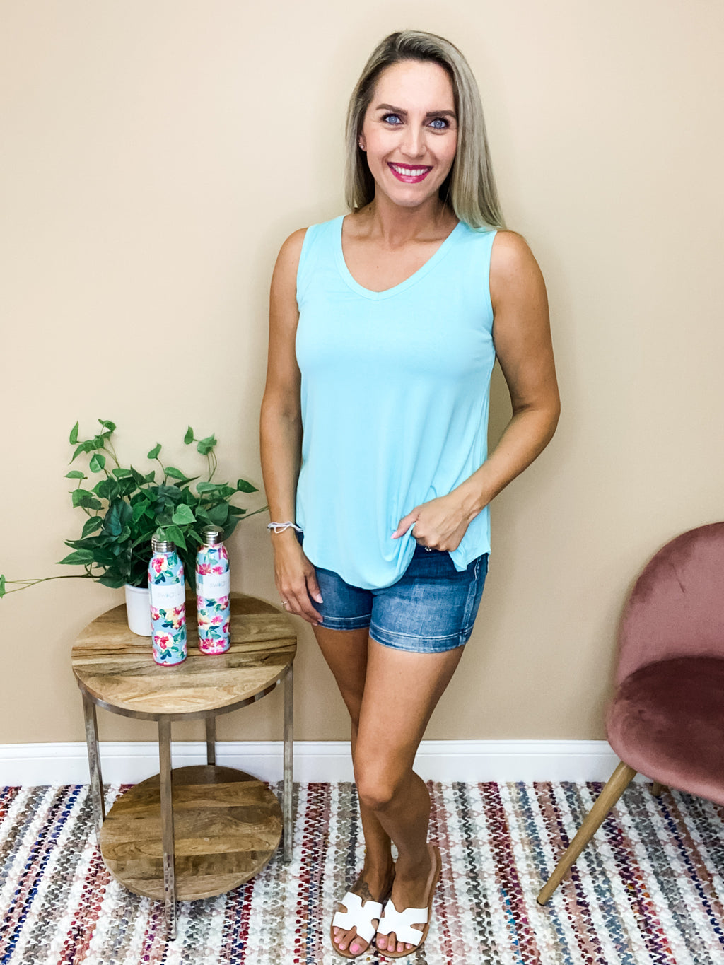 Aria Casual V-Neck Tank Top - Mint