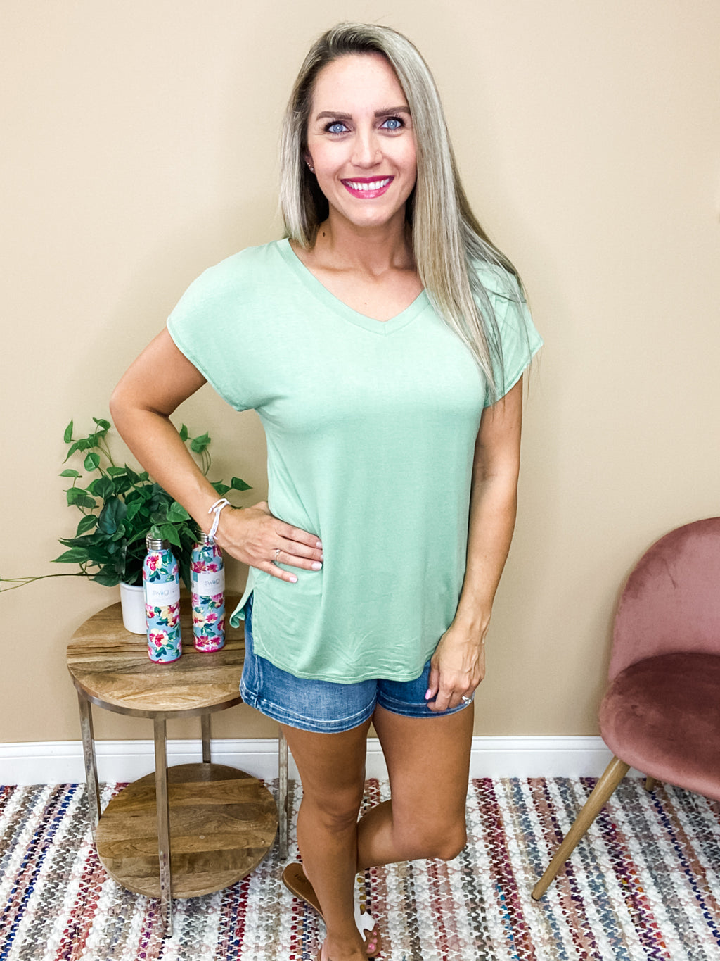 Penelope Short Sleeve V-Neck Top - Sage