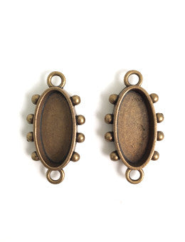 Hobnail Oval Antique Brass Small Bezel, 2 pcs.