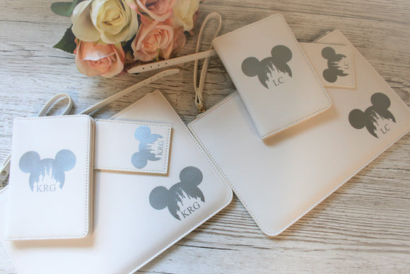 Personalised Passport Holder, Luggage Tag and Pouch ~ Disney Minnie Mickey Mouse
