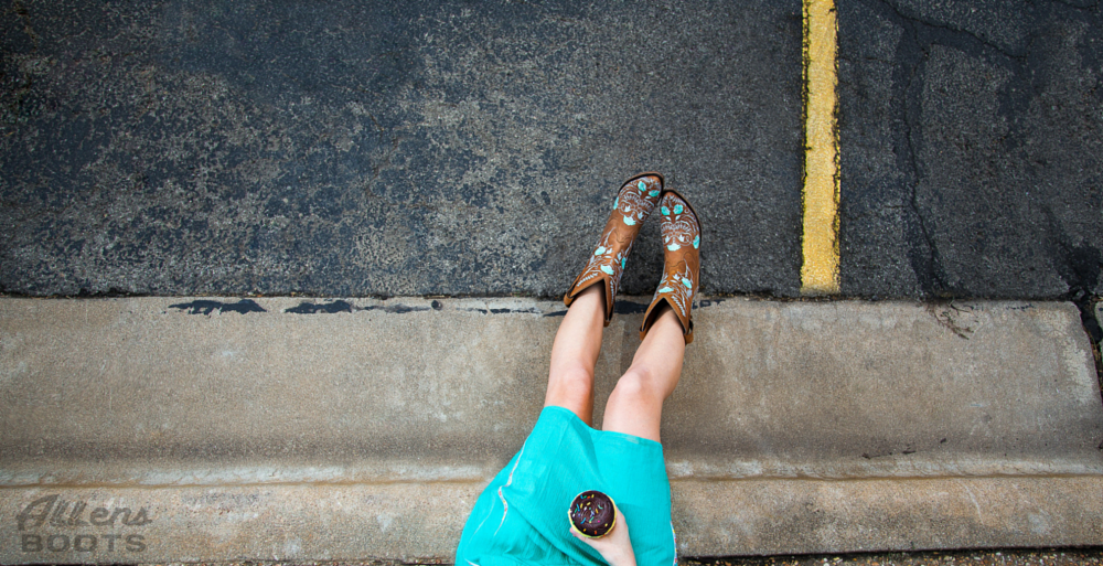 Revamp Your Look with a Touch of Turquoise!