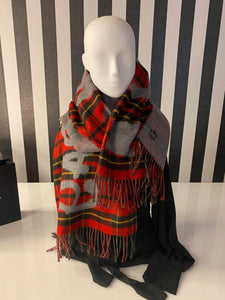 Checkered Red And Grey Queen Slogan Print Scarf