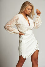 Load image into Gallery viewer, A White Lace Long Sleeve Sheer Bodysuit