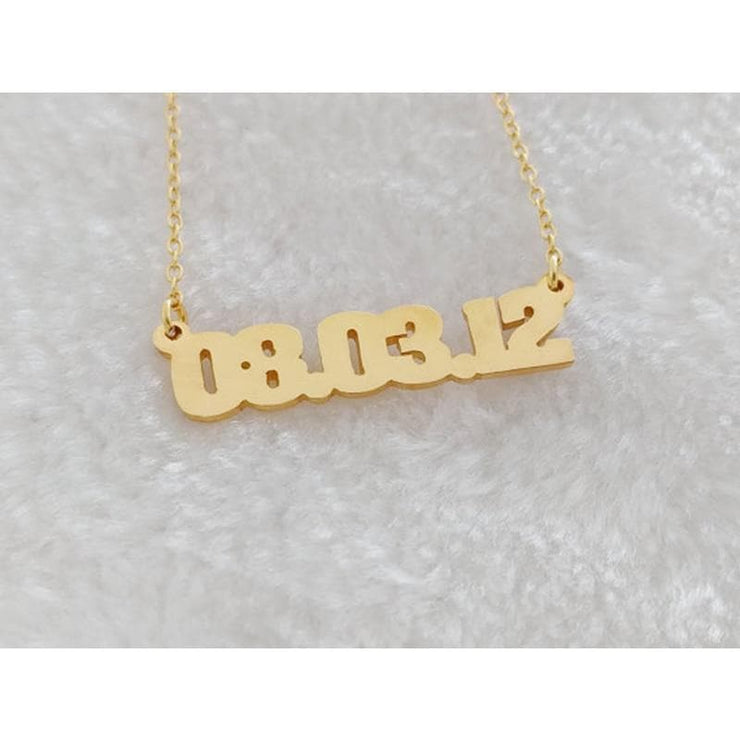 Personalized Necklace with Custom Date - CoupleGifts.com