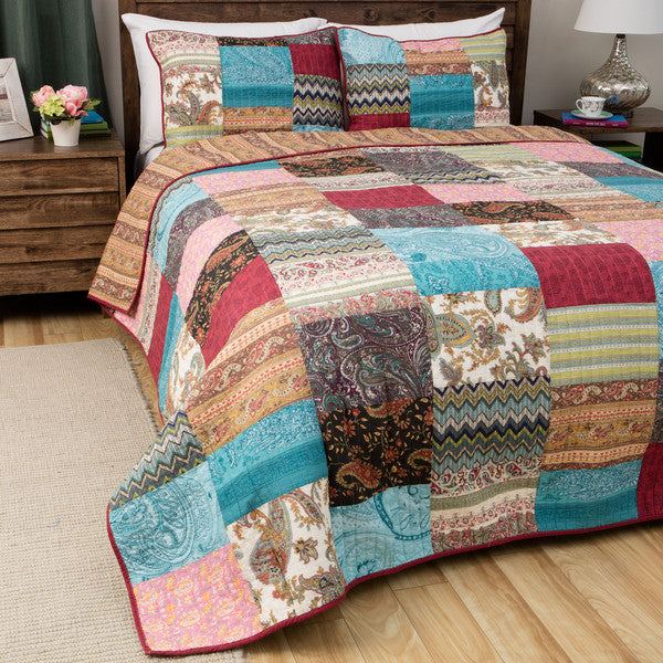 Quilted Vintage Patchwork Bedspread in Silk & Cotton in King Size