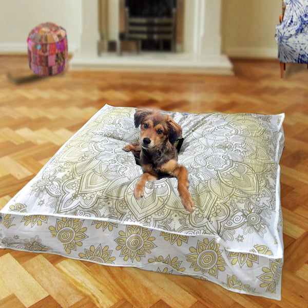 THE ROYAL GOLD THRONE DOG BED