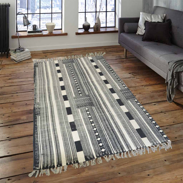 STRANDED PATHWAYS BLACK AND WHITE COTTON RUG