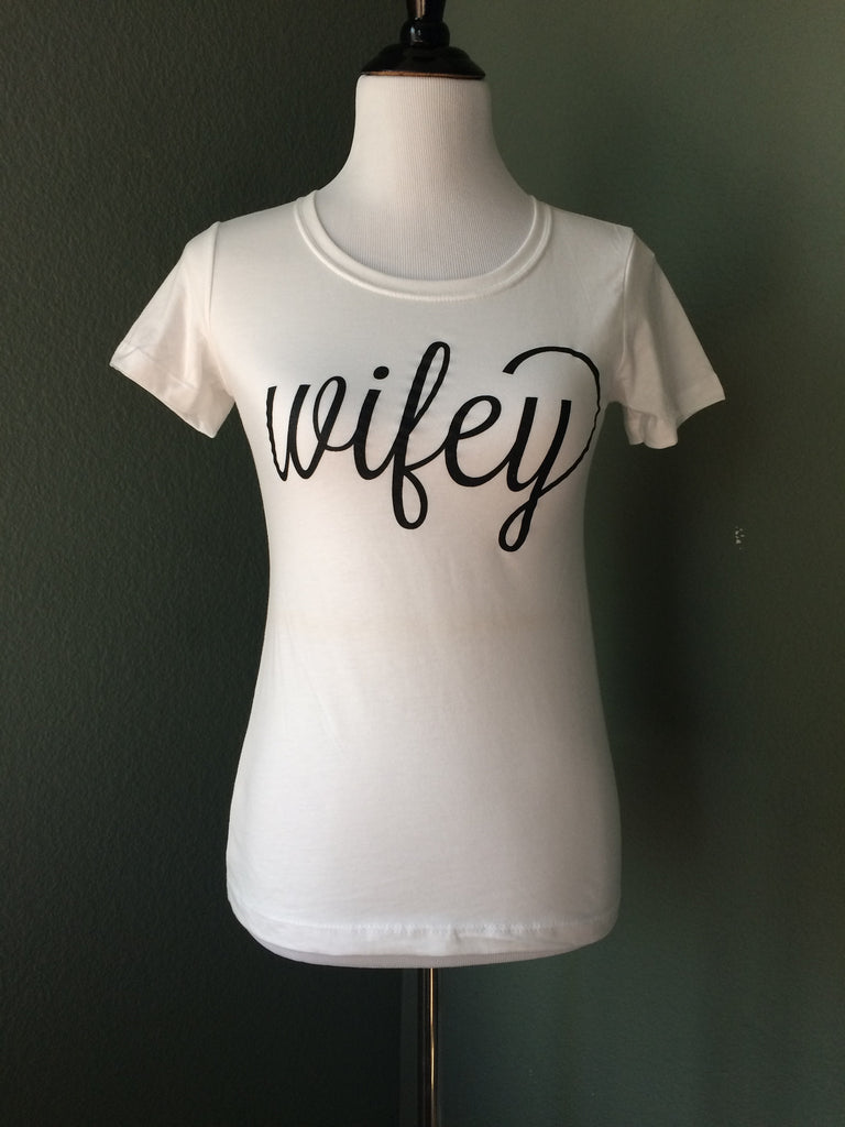 White Crewneck Graphic T-Shirt 'Wifey'