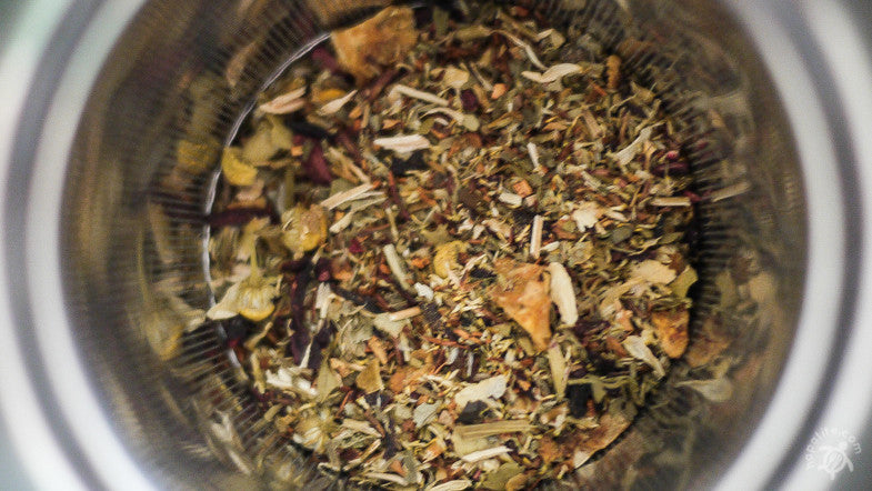 Tea Review: HappyTea - Yerba mate, Hibis­cus, St. John's Wort