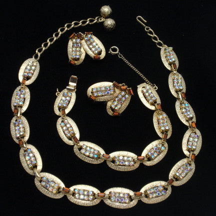 Hobe Necklace Bracelet and Earrings Set