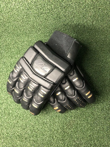 AZ Blackout Batting Gloves