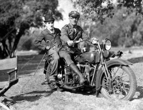 1927 Charlie Chaplin and cop on Harley Dividson Motorcycle cool 836-07