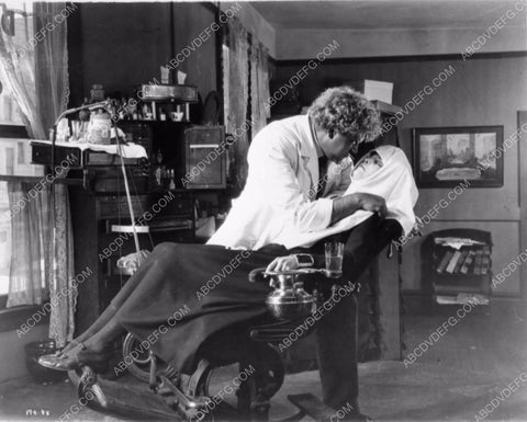 Zasu Pitts in dentist chair Gibson Gowland silent film Greed 1226-08