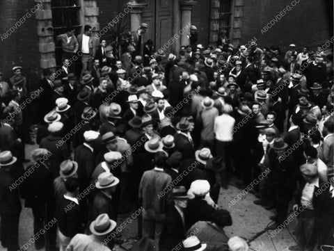 1933 news crime photo angry mob does lynching 2001-21