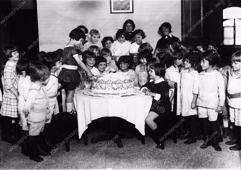 1923 Baby Peggy birthday cake party with friends 2191-31