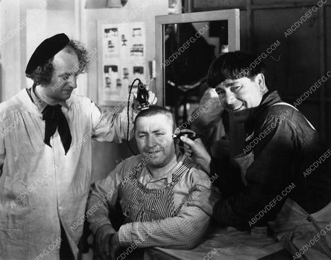 3 Stooges Larry & Moe give Curly a hair cut short subject 2528-19